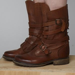 Slouchy tie boots by Steve Madden